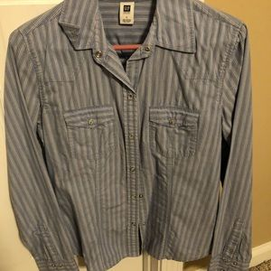 Gap size small button down shirt